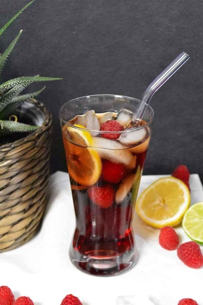 Cola Himbeerlikör Cocktail-Sommer Drinks-ballesworld