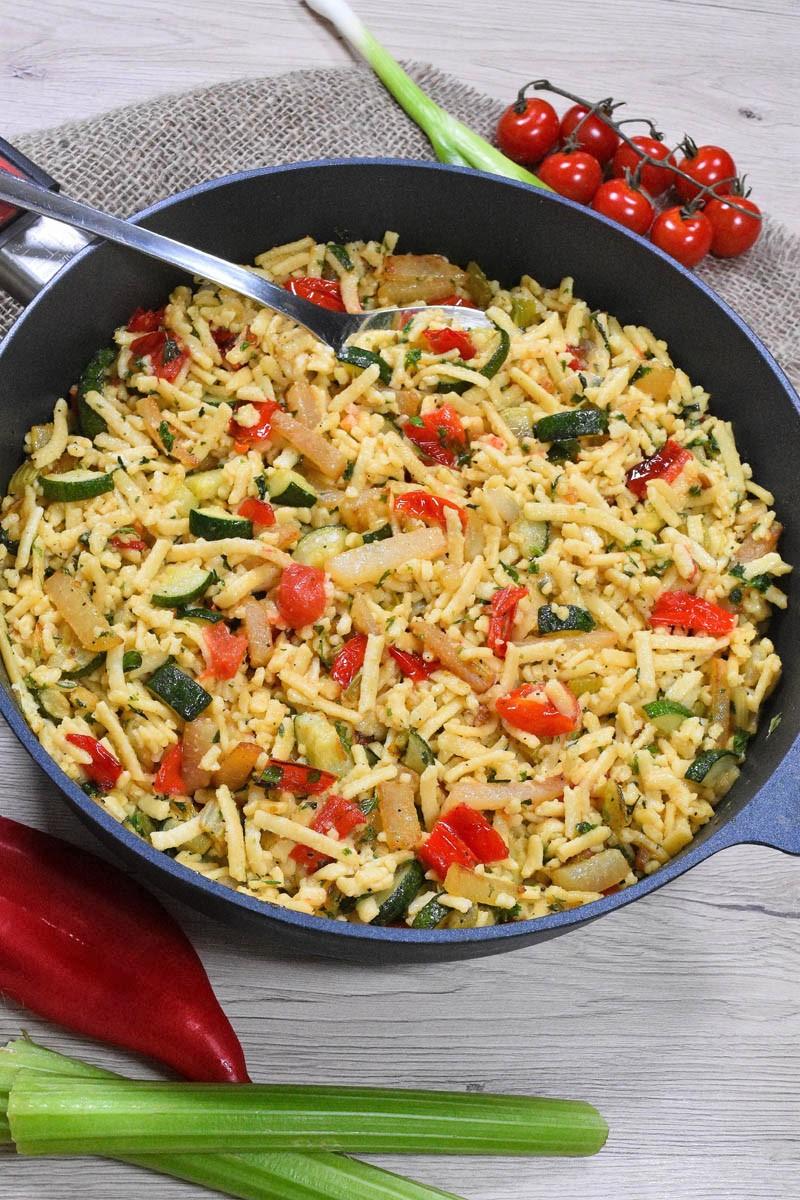 Spätzle mit Gemüseresten-Vegetarisch-ballesworld