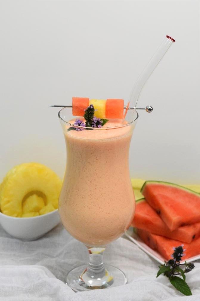 Wassermelonen-Ananas Shake-Gesund-ballesworld