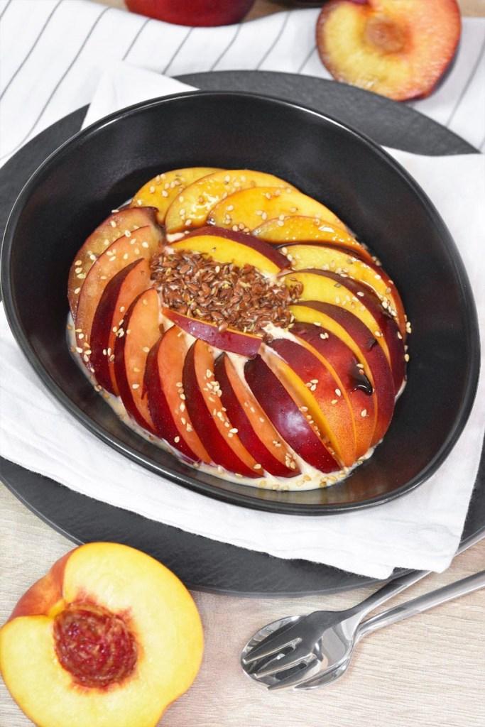 Fruchtiges Frühstück mit Macapulver-Gesund-ballesworld