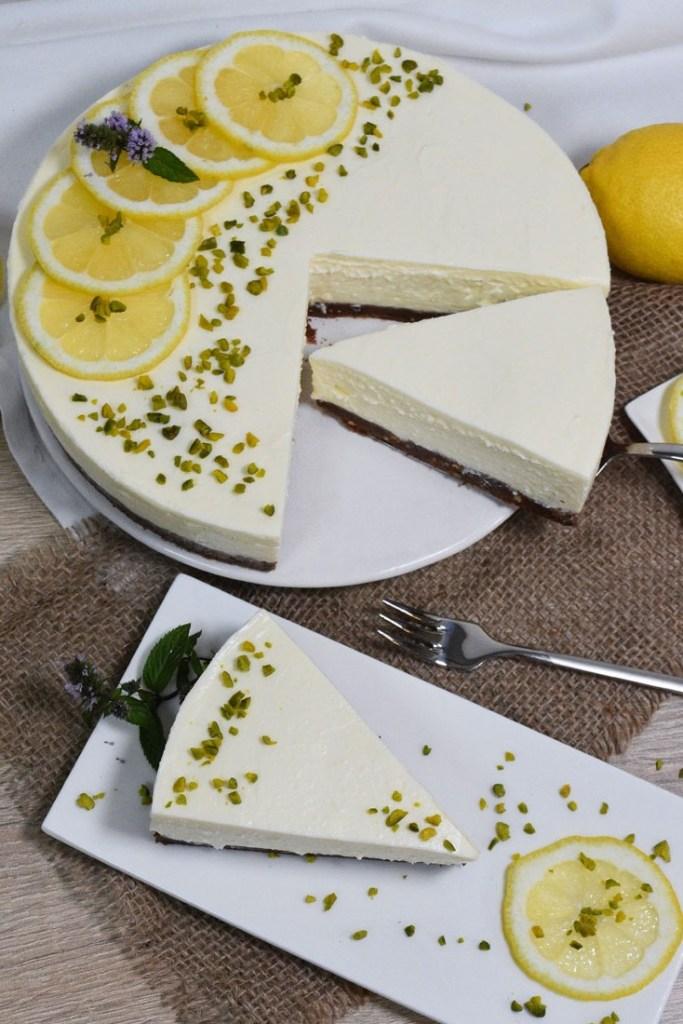 Zitronen-Käse Kuchen mit weißer Schokolade-Torten-ballesworld