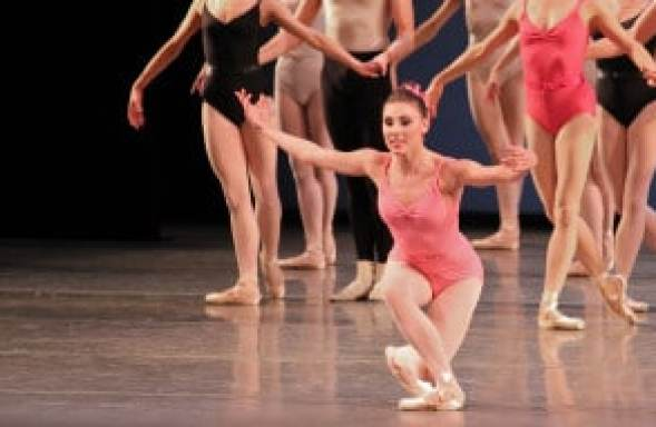 Tyler-Peck-New-York-City-Ballet-Symphony-in-Three-Movements