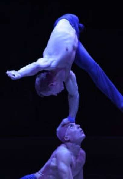 Acro-Duo-Vitaliy-Prikhodko-Alexei-Anikine-Big-Apple-Circus-2013-4