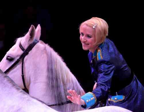 Jenny-Vidbel-Big-Apple-Circus-2013