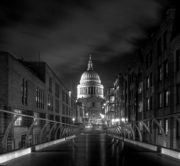 St-Paul's-Cathedral-Millennium-bridge-London1 (1)