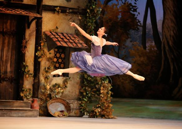 Natalia-Osipova-Mikhailovsky-Ballet-Giselle-11-11-14f