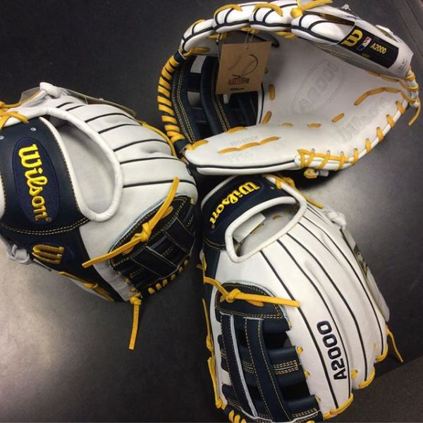 Wilson Glove of the Month January 2016