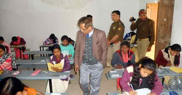 कड़ी चुनौती के बीच सकुशल सम्पन्न हुई हिंदी-गणित की परीक्षा