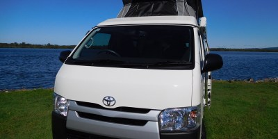 Frontline Pioneer Toyota Hiace - FREE FLYSCREENS