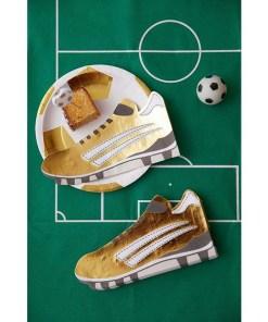 Servietten in Fußballschuh-Form, metallic-gold/schwarz/weiß, 40 x 21 cm, Dekobeispiel