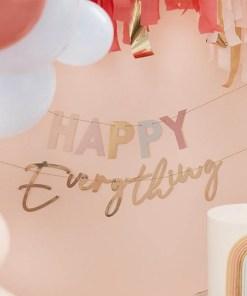 Buchstaben-Girlande ''HAPPY Everything'', pastell-gold, Goldkordel, 2x 1,5 m, Dekobeispiel
