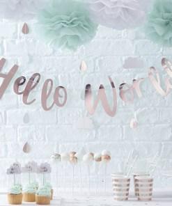 """Buchstaben-Girlande Hello World"""", Pappe rosa foliert, Faden weiß, L 200 cm, Dekobeispiel"""