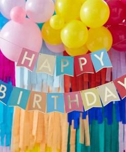 Fahnen-Girlande ''HAPPY BIRTHDAY'', bunt, Goldrand, Goldschrift, H 12 cm L 2x 1,7 m, Dekobeispiel