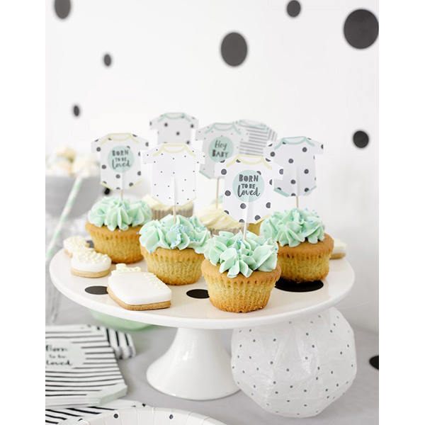 Kuchentopper ''Born to be loved cake'', 12 Stueck, 6 Designs, Packung 19,5cm x 1,5cm x 16,5cm Beispielbild