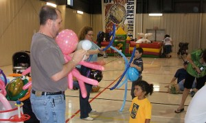 Making animals at the Charleston Baptist Church Easter Festival, Balloonopolis, Columbia, SC