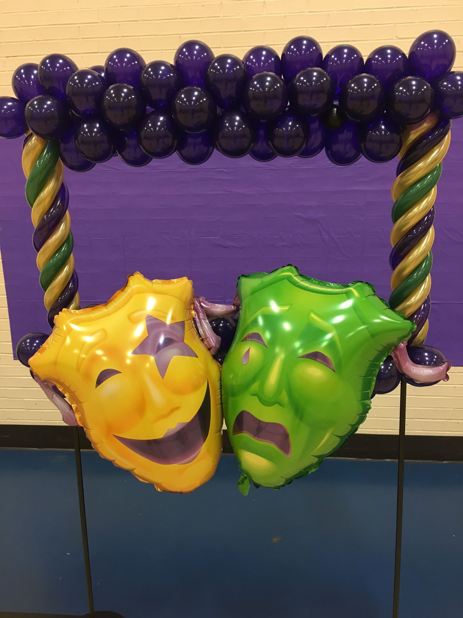 Drama Masks Balloon Frames