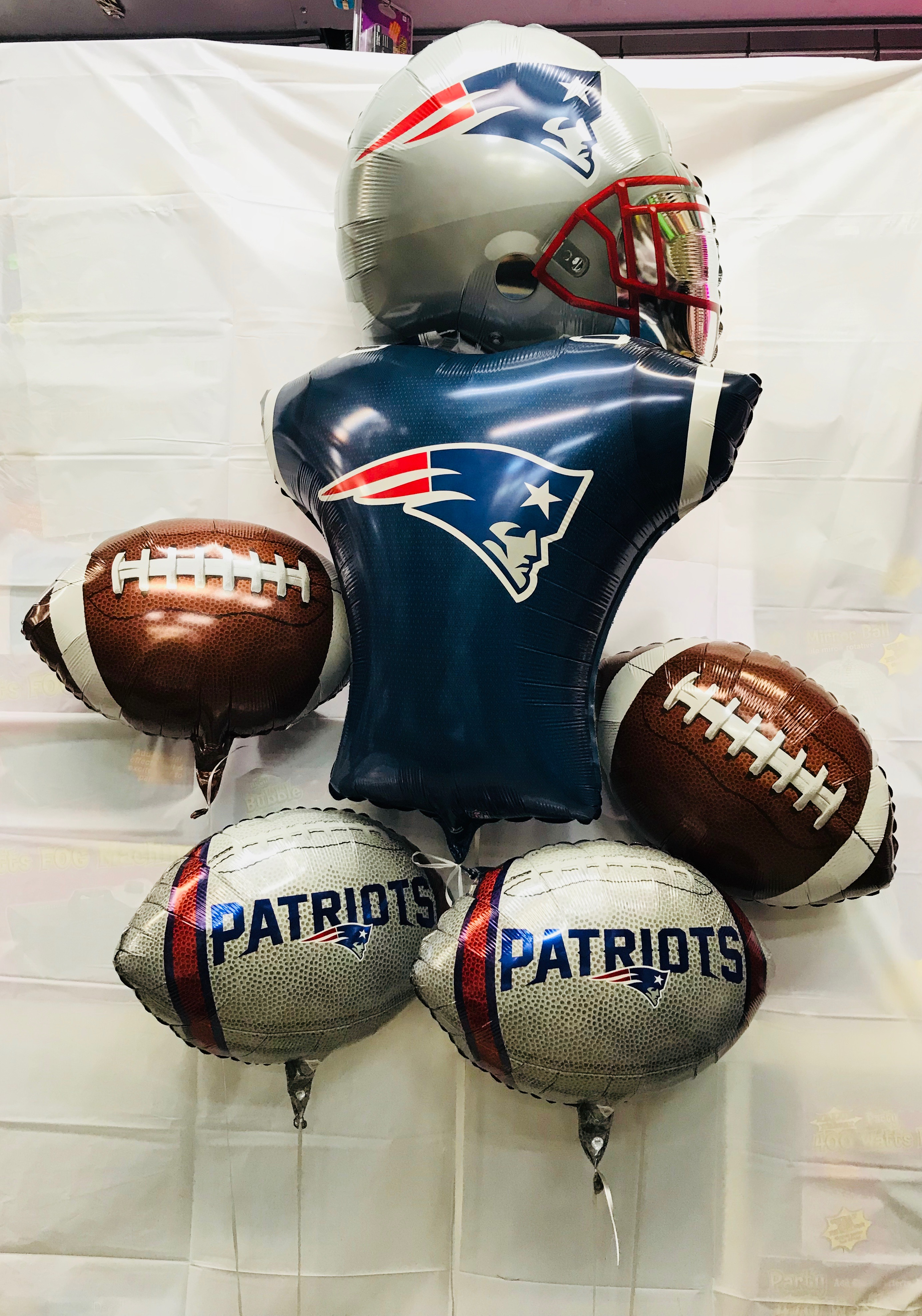 03c93cb8 New England Patriots Football Balloons Bouquet With Jumbo Helmet and Jersey