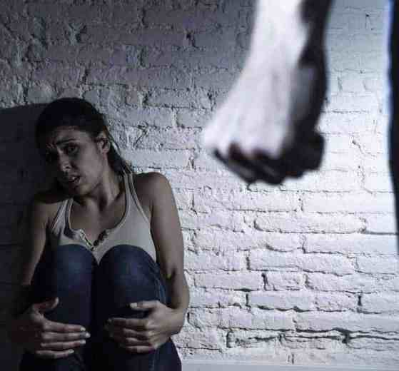 how to recognize abusive relationship and abusive man