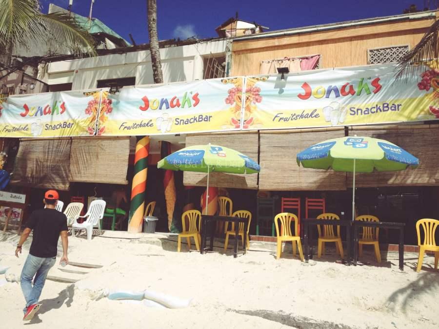 Jonah nằm ở Station 1 của Boracay