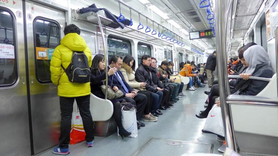 Hệ thống tàu điện ngầm ở Busan rất hiện đại và rộng lớn, phủ khắp thành phố Busan.