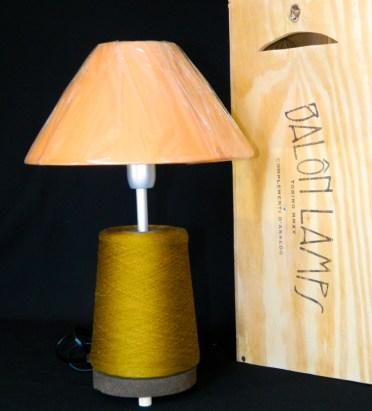 Lampada_Bobine_arancione_riciclo_creativo_ecodesign_rocchetto_upcycling_upcycled_lampade_ricaricabili_batteria_Balon_Lamps_Torino_Genova_Milano_Roma_design_idee_led