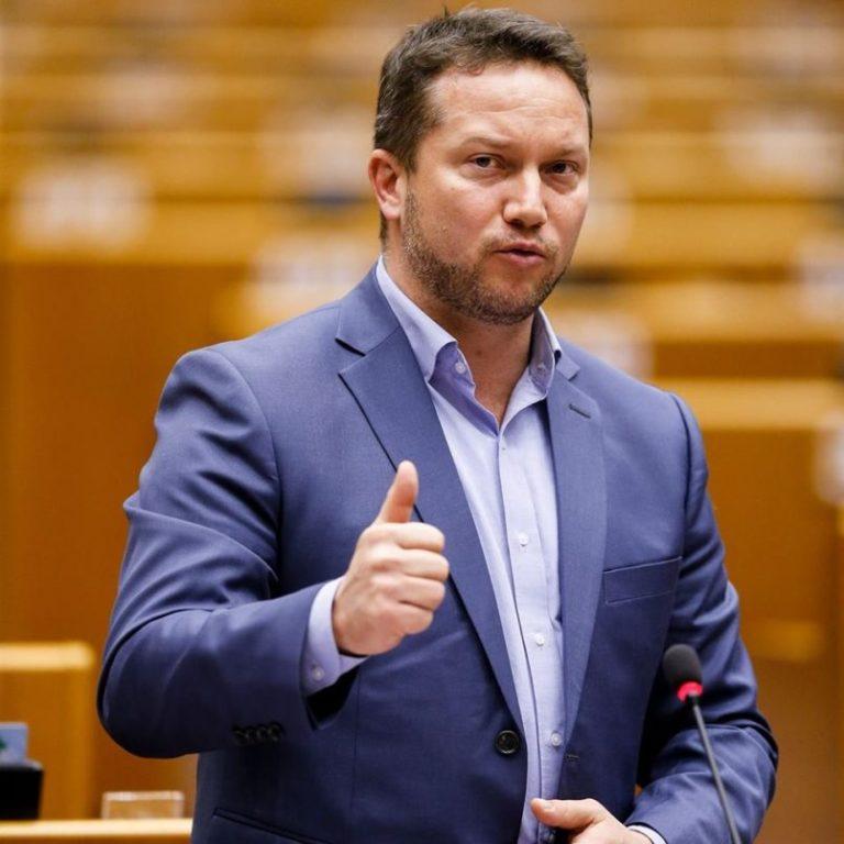 Az MSZP politikusa úgy kiütötte a fideszes nagyágyút,  hogy innen már egyenes út vezet a politikai siralomházba