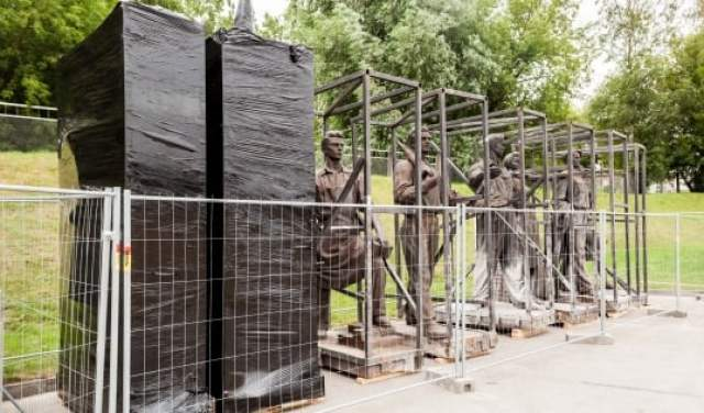 The removal of statues will cost around 38 thousand euros