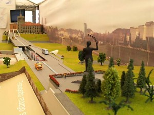 """The visitors of """"RESTA 2007"""" exhibition in Litexpo exhibition center could admire a layout of the future Vilnius metro. It was five meter length with five metro trains moving on it. The layout was build by company """"Vilniaus rentinys""""."""