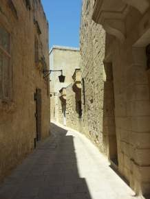 Mdina, the ancient capital is pervaded by a dramatic and timeless atmosphere. Photo © by Alessia Bottone