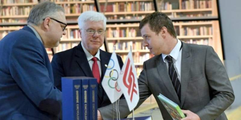 The Latvian Olympic Committee has presented sports history books to the National Library of Latvia