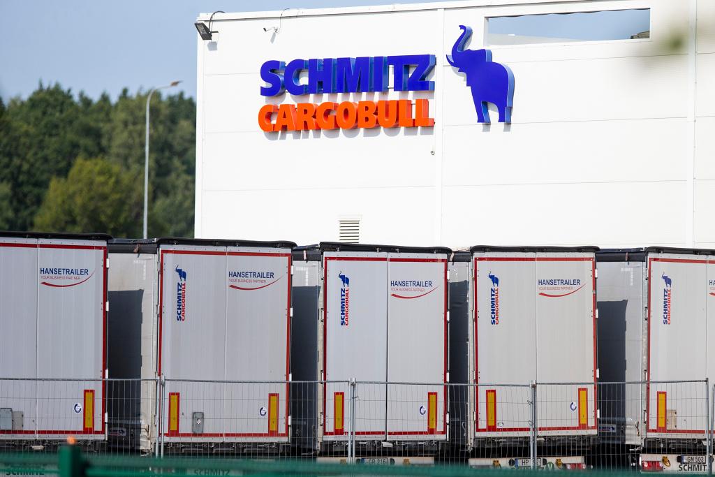 Das für Schmitz Cargobull-Foto bei:Karolis Kavolelis /Shutterstock.com.