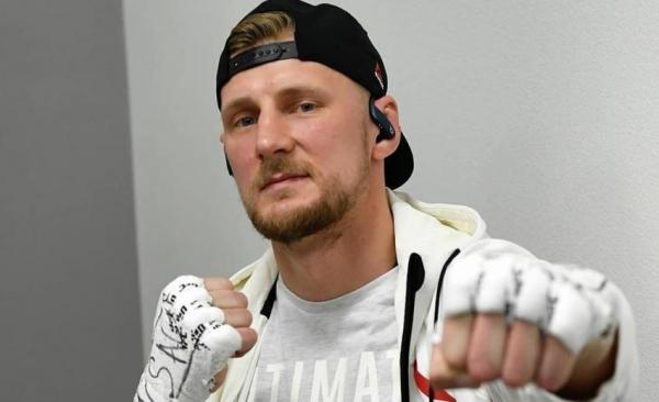 Менеджер бойца UFC Волкова Иван Банников рассказал о причинах поражения в поединке с Блейдсом