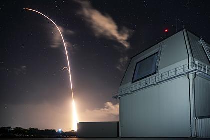 Японцы поддержали отказ Токио от американских ракет