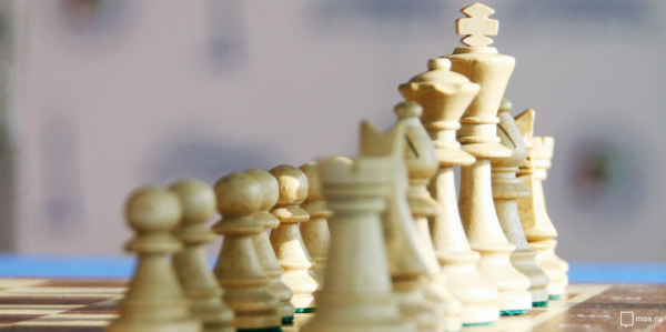 Шахматный турнир, приуроченный ко Дню России, собрал участников из 18 стран