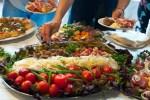 Большинство украинских граждан проголосовало за русскоязычное меню в ресторанах