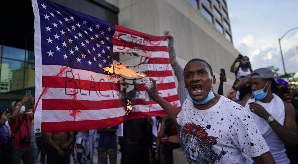 Такер Карлсон: настоящая причина, по которой толпы по всей стране сносят американские памятники