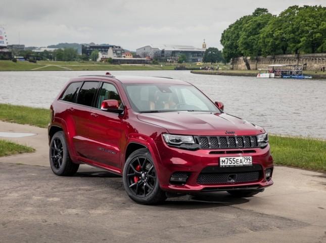 Автомобили Jeep стали доступны на маркетплейсе Сберавто