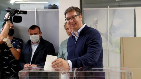 Экзитпол: Сербская прогрессивная партия побеждает на выборах в Сербии