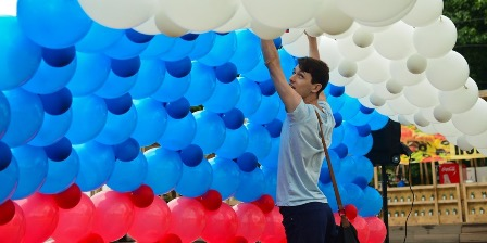Соотечественников и иностранных граждан приглашают поучаствовать в акциях ко Дню России