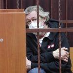 Стало известно о возможной попытке суицида Ефремова до аварии