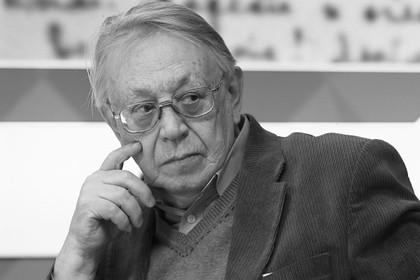 Умер литературовед Лев Мнухин