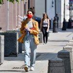 В городских общественных местах продолжает сохраняться масочный режим