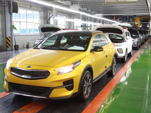 В России началось производство купе-кроссовера KIA XCeed