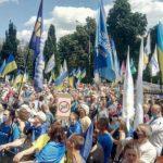 Цифры в коронастатистике больше не пугают. Психолог объяснила, почему украинцы массово игнорируют карантин
