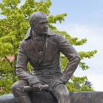 Соотечественники опасаются, что перенос статуи Баранова откроет «ящик Пандоры»