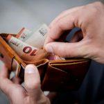 Латвийскую минималку поднимут минимально: обещанные 530 евро не вырисовываются