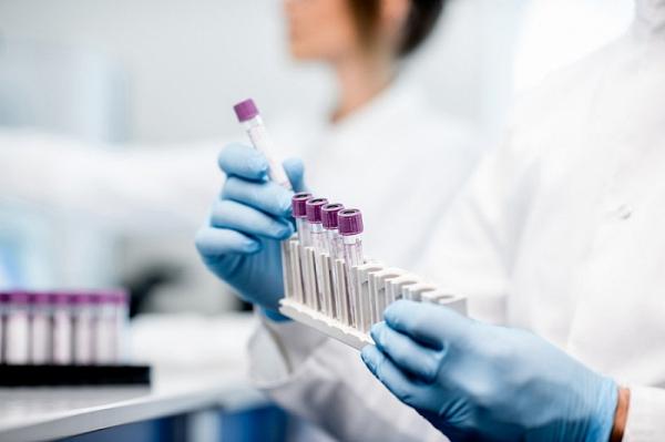 200 млн доз российской вакцины от COVID-19 планируют выпустить к концу года, сообщили в РФПИ