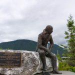 Памятник русскому губернатору Аляски готов забрать Магадан