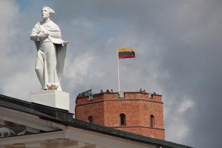 В Литве признали нехватку кадров со знанием русского языка