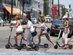 Из-за пандемии COVID-19 россияне отказываются от общественного транспорта